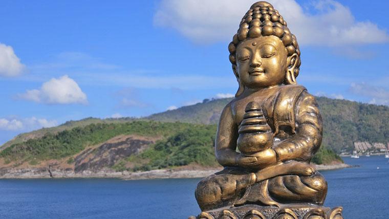 Статуэтка Будды в Промтхеп Кейп