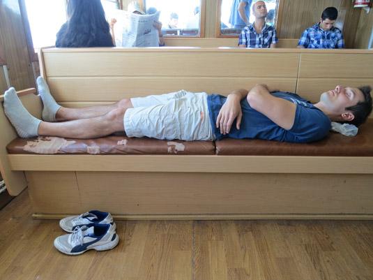 Илья спит на пароме